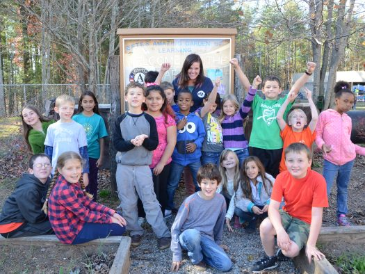 AmeriCorps with kids GROUP USE (3)